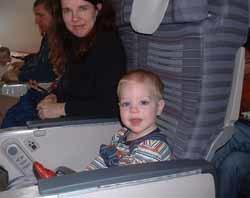 Los niños en los aviones, ¿sedarlos o no?