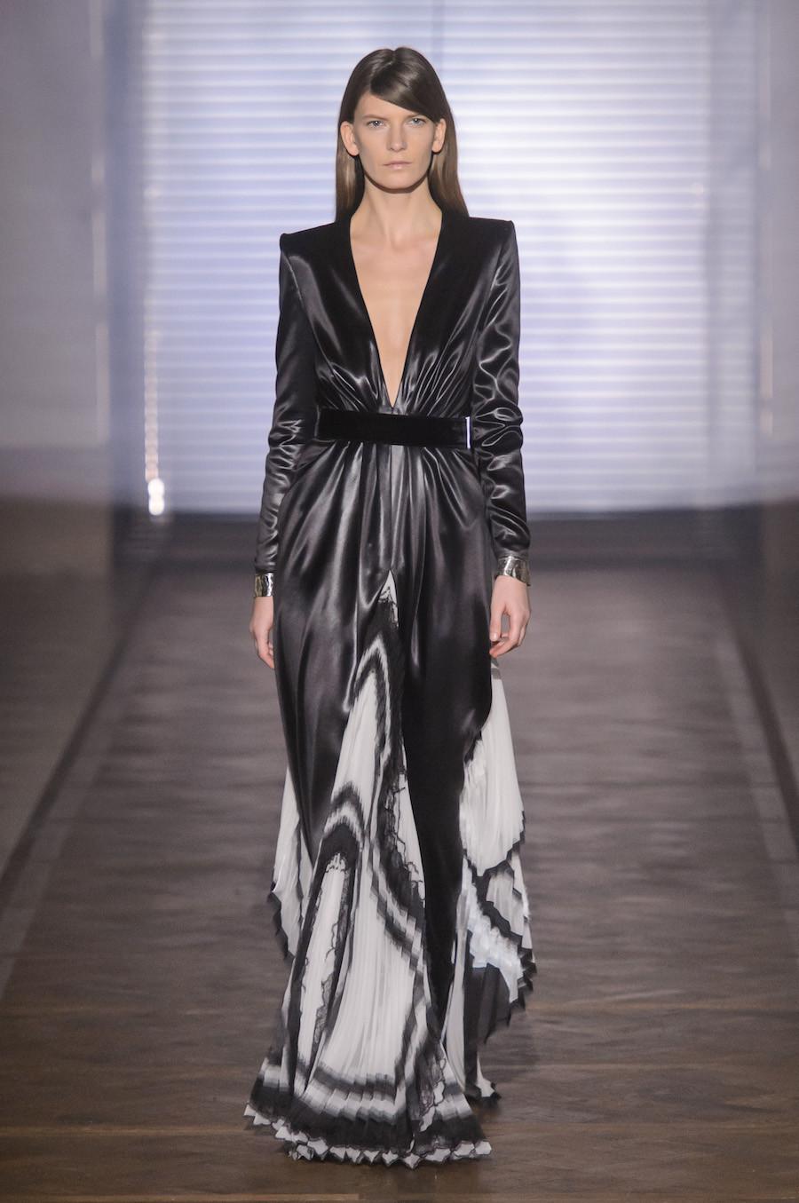 Foto de Givenchy Alta Costura Primavera-Verano 2018 (33/35)