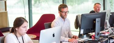 El teletrabajo se topa con un muro en Cupertino: Apple mantiene su modelo híbrido provocando dimisiones