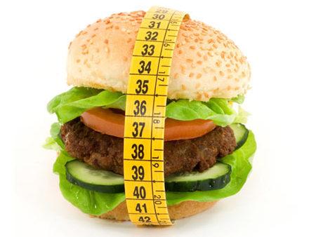 Estados Unidos propone suprimir la publicidad infantil de comida basura