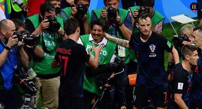 El fotógrafo aplastado por los futbolistas croatas, 18.000 euros en premios, iluminación barata y más: Galaxia Xataka Foto