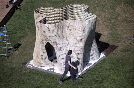 """Imprimiendo con cemento se pueden conseguir estructuras como el """"Pabellón Bloom"""""""
