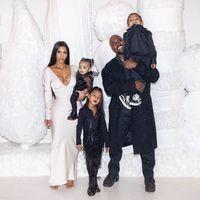 El clan Kardashian podría tener un nuevo miembro en mayo: fuentes cercanas a Kim afirman que espera su cuarto hijo