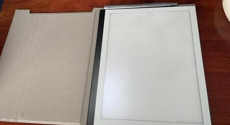 El PineNote es el lector de libros electrónicos basado en Linux que te invita a que escribas y tomes notas