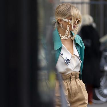 Esta es la camisa de Miu Miu (con cuello bobo) que más gusta en street style: tres propuestas low-cost para lograr el mismo efecto