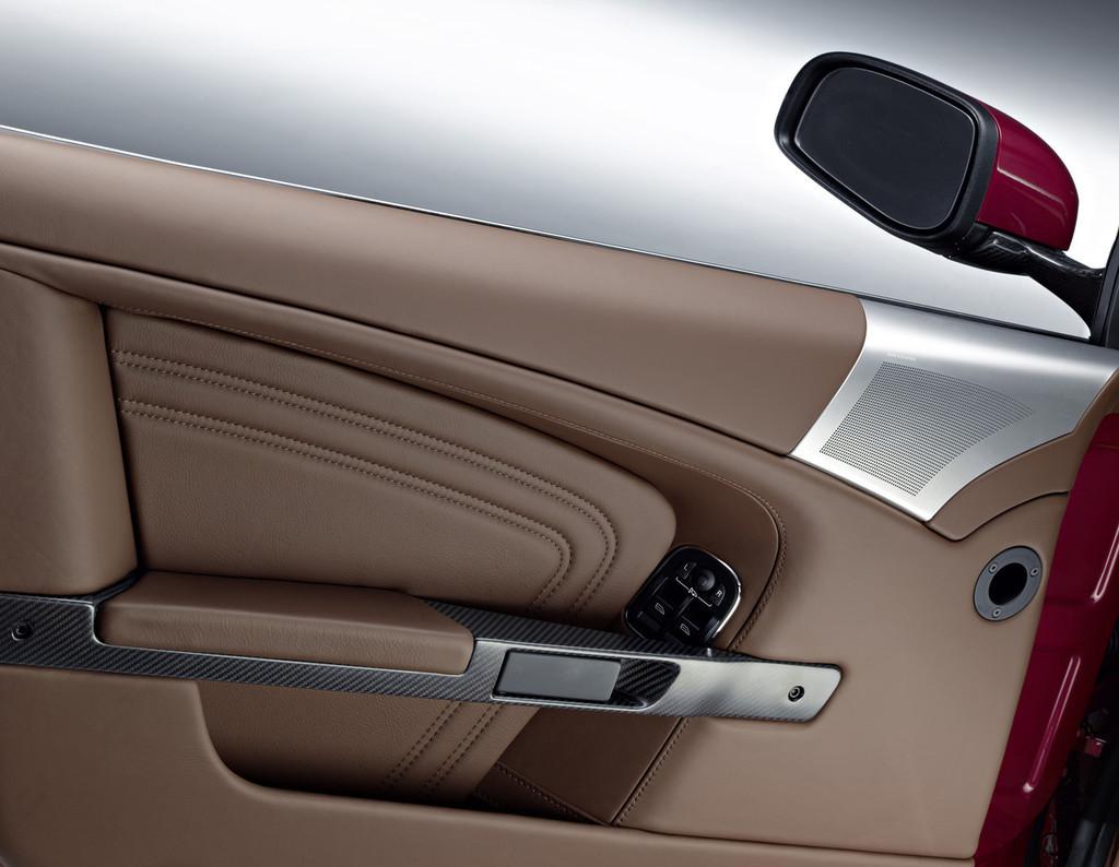 Aston Martin Dbs Volante 8 8