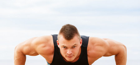 Tres rutinas para trabajar fuerza y músculos sin equipamiento deportivo específico