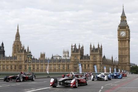 Los monoplazas de la Fórmula E invaden el centro de Londres