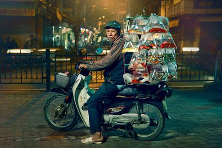 7 millones de habitantes, 5 millones de motos: la alucinante cultura motera de Hanoi, en fotos