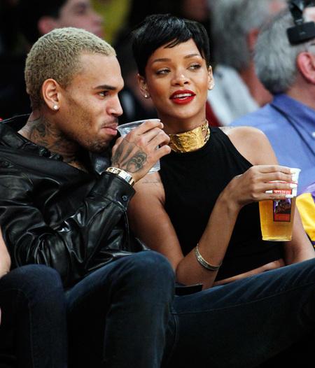 Pues nada, que va a ser que Rihanna y Chris Brown siguen dando guerra