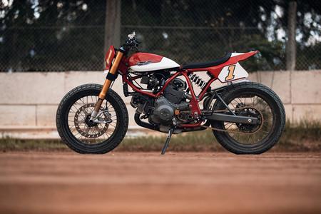 """Diseño americano y estilo italiano por """"sólo"""" 27.000 euros. Así es la Ducati Pro Street Tracker"""