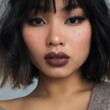 Los labios marrones son el nuevo rojo: siete labiales para copiar el maquillaje que triunfa en Instragram
