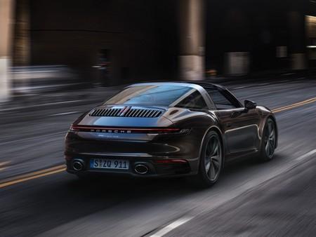 El nuevo Porsche 911 Targa 2020 tiene hasta 450 CV y opción de cambio manual mientras adapta su estilizada carrocería al 992