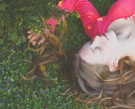 Dormir en primavera: cómo adaptarnos al cambio de horario