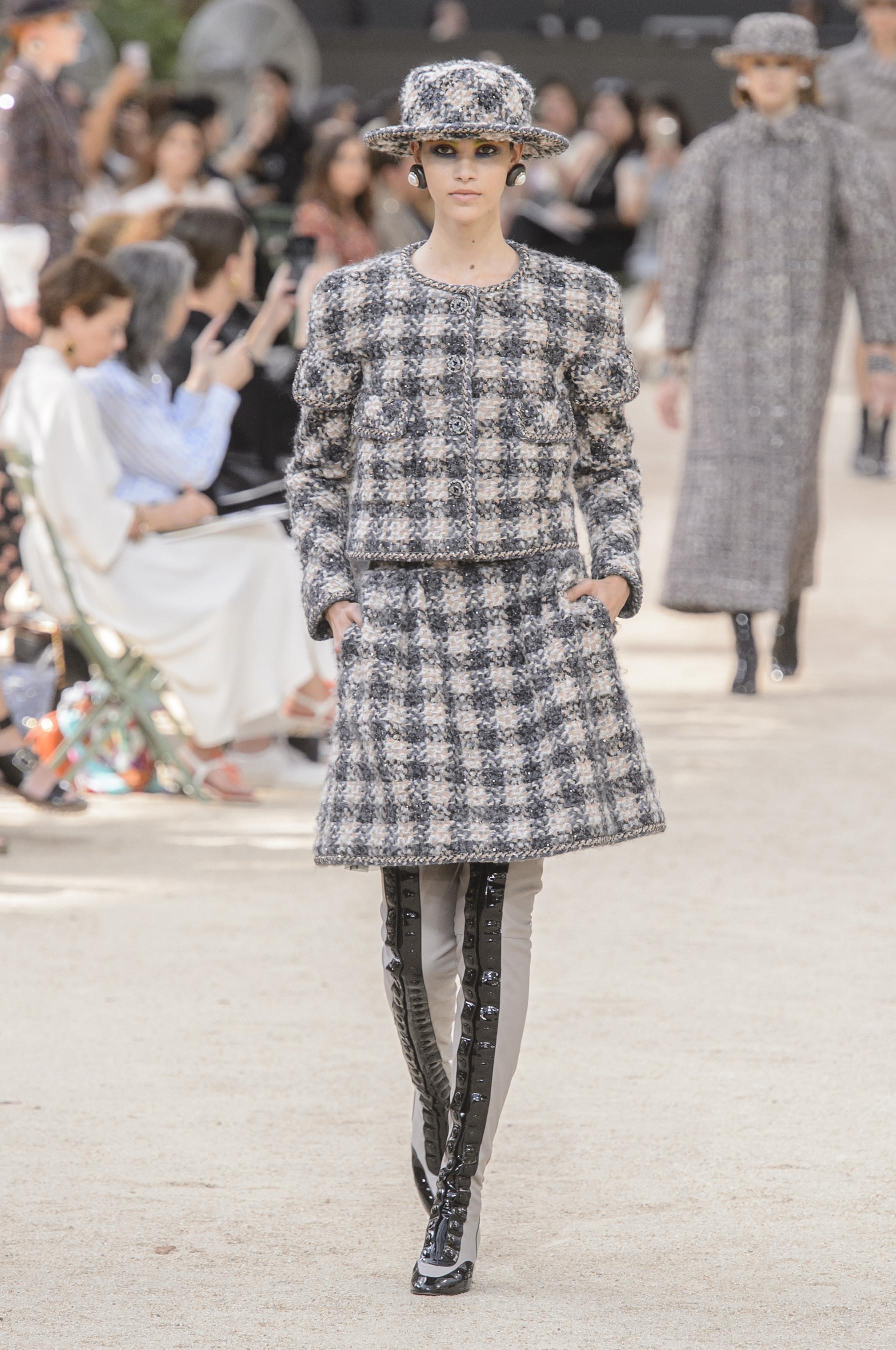 Foto de Chanel Alta Costura Otoño 2017 (16/64)