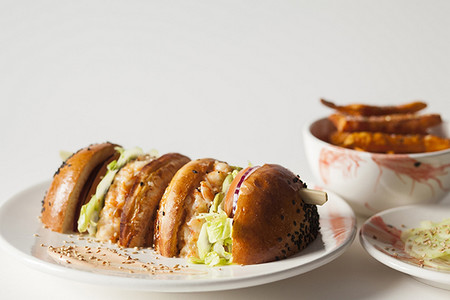 Izakaya Home Burger Bar Hamburguesas Mas Originales De Madrid