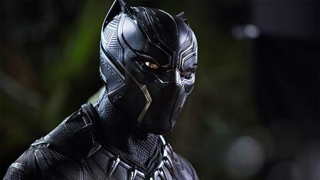 'Black Panther', review: cuando el cine de superhéroes puede ser trepidante, concienciado e innovador