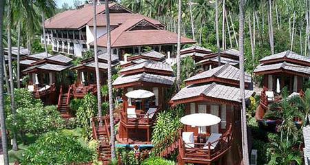 Imperial Boat House Hotel, dormir en pequeños barcos a orillas del mar