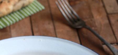 Espaguetis con bechamel de mostaza antigua y bacon. Receta fácil y rápida