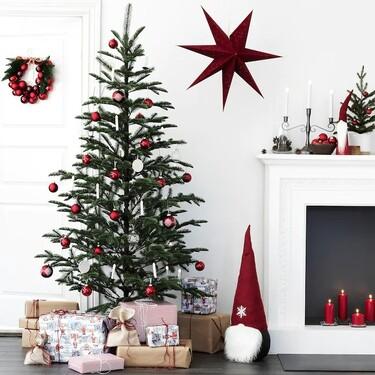 Árboles de Navidad tradicionales de Ikea y El Corte Inglés, para la Navidad más atípica