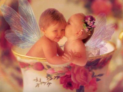 La felicidad y el amor como base de la educación
