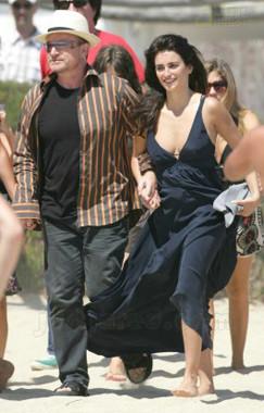 ¿Penélope Cruz saliendo con Bono?
