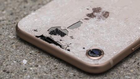 Más vidrio, más problemas, así son los resultados de las pruebas de caída del nuevo iPhone 8