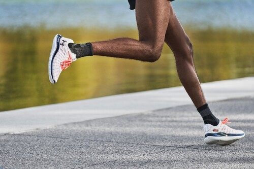 Under Armour lanza las nuevas Flow Velociti Wind: unas zapatillas con la nueva entresuela UA Flow para correr más rápido que nunca