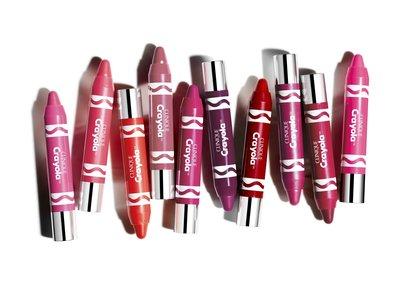 """Clinique y Crayola se juntan para """"colorear"""" nuestros labios"""