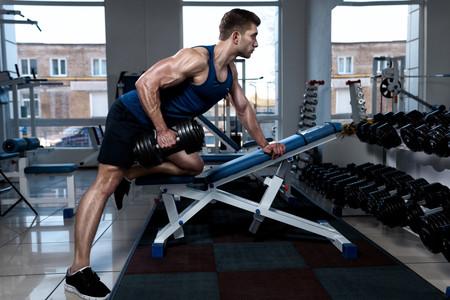 ¿Tienes poco tiempo para entrenar? Una rutina fullbody de 30 minutos en el gimnasio
