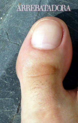 Depilación: no te olvides de los pelos del dedo gordo del pie