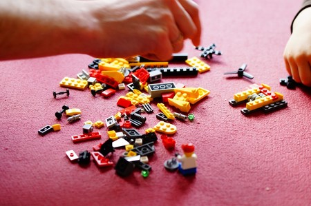 jugar con Lego