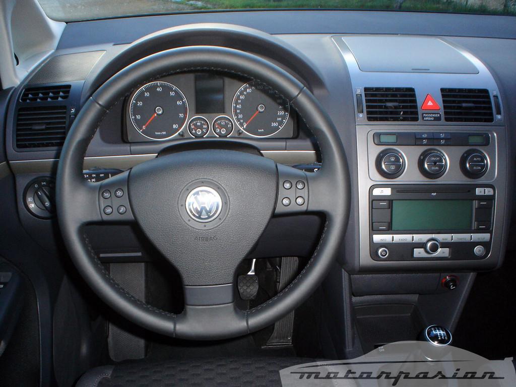 Foto de SEAT Altea XL contra Volkswagen Touran  (24/36)