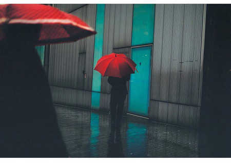 Winner Of The Photobox Instagram Photography Awards In The Art Category Capturing A Rainy Scene By Swendeluk