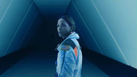 Moonfall Trailer Halle Berry Star Of Roland Emmerichs New Disaster