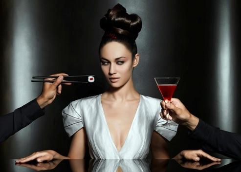 Foto de Olga Kurylenko, un bellezón para el nuevo calendario Campari (6/12)