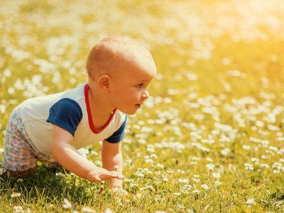 Aunque no estéis en la playa, aunque no sea verano: protege a tus hijos del sol
