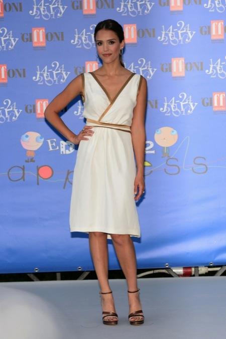 Jessica Alba: la diosa griega del Festival de Cine de Giffoni