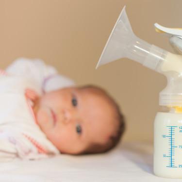 Bancos de leche materna en España: dónde y cómo puedo donar para beneficiar a otros bebés