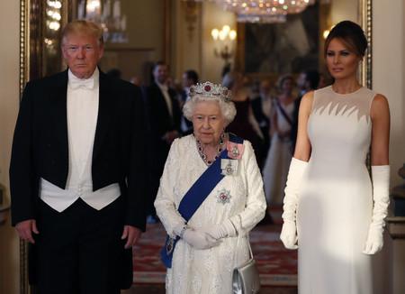 Melania Trump vuelve a apostar por el color blanco en la cena de Estado celebrada en el Palacio de Buckingham
