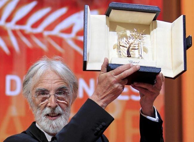Haneke levanta la Palma de Oro ganada por Amour