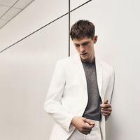 De blanco por la vida: la propuesta tailoring de Zara con tonos frescos para la temporada