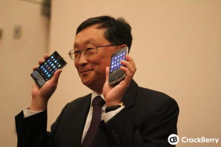 Las BlackBerry Passport y Classic en manos de John Chen