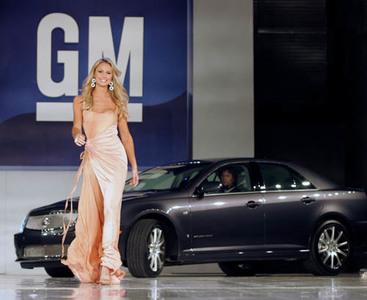 GM y los fabricantes de coche buscan nuevas formas de vender coches