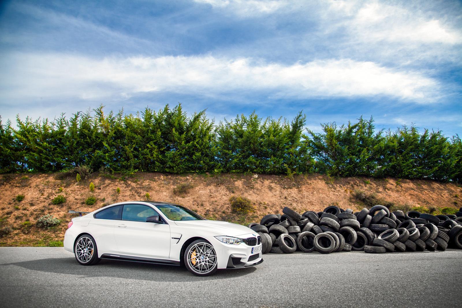 Foto de BMW M4 CS (32/60)