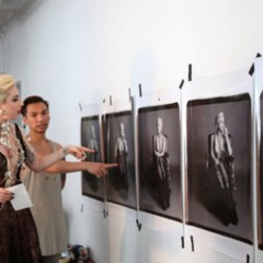nuevas-fotos-de-lady-gaga-escotada-de-infarto-y-posando-para-polaroid