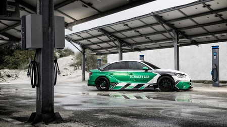 Audi RS 3 Formula E Schaeffler