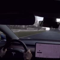 Un Tesla Model 3 Performance + una vuelta al Nürburgring: La combinación ideal para hoy