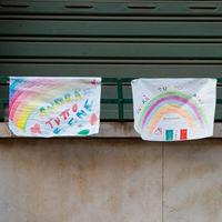 Turquía ha prohibido a sus niños pintar arcoiris contra el covid. Podrían ser propaganda LGTBI