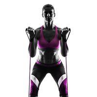 Rutina de nueve ejercicios que puedes realizar con una banda de resistencia